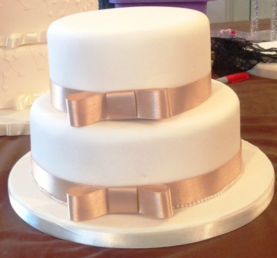 2 Tier Wedding Cake with Ribbon Cakes by Shelly