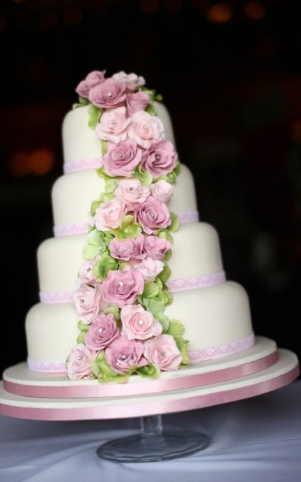 Cakes by Shelly pink and green flowers