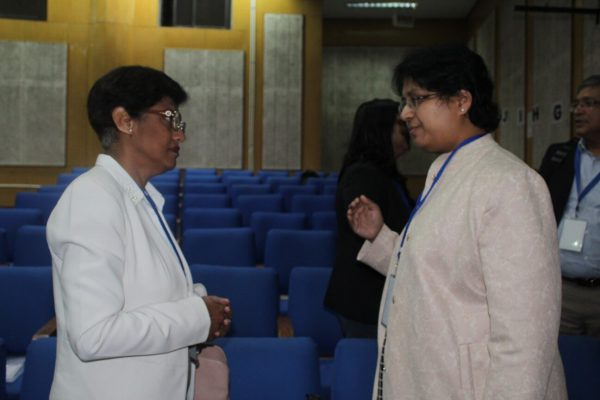 Capt. Shubha Ravindranath and Dr. Vibha Jain discussing at IC InnovatorCLUB Meeting at IIT Delhi