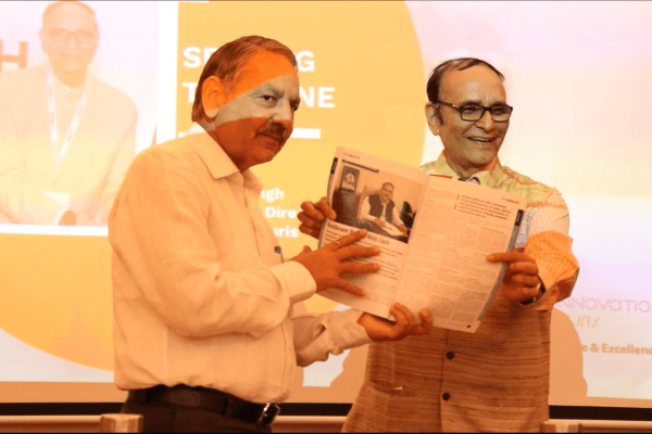 Dr. VK Singh presented InnoHEALTH Magazine to Sh. Karnal Singh at IC InnovatorClub Meeting