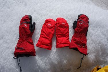 Outdoor Research Alti Mitts 01