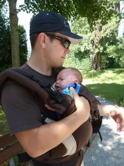 Manduca Anziehen Newborn (7)