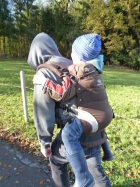 Manduca mit 6 Jährigem (2)