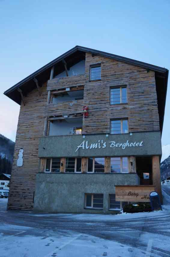 Almi's Berghotel 01