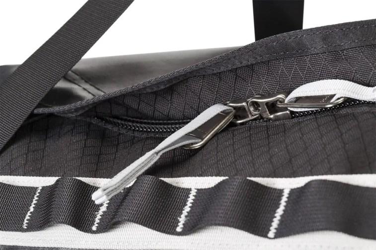 Gregory GMP_Alpaca-Duffel_detail_Locking-travel-zipper copy7
