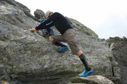 MERRELL_ALL-Out-Charge-climb