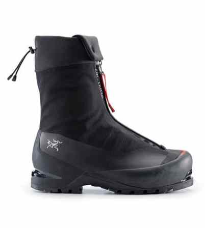 Acrux-AR-Mountaineering-Boot-Black-Cajun-Side-View