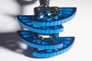 Black Diamond 262163_BLUE_Camalot_Ultralight_3_closeup1