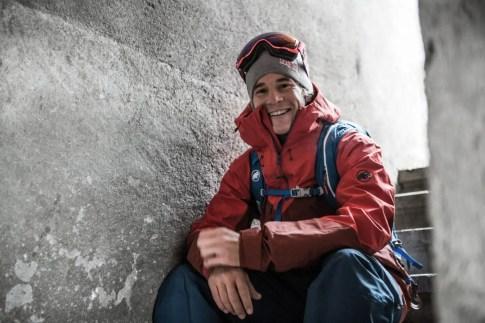 """Fuer sein Filmprojekte """"La Liste"""" hat Mammut Pro Team Athlet Jeremie Heitz 15 der spektakulaersten Viertausender mit Skiern ueber deren Steilwaende befahren."""