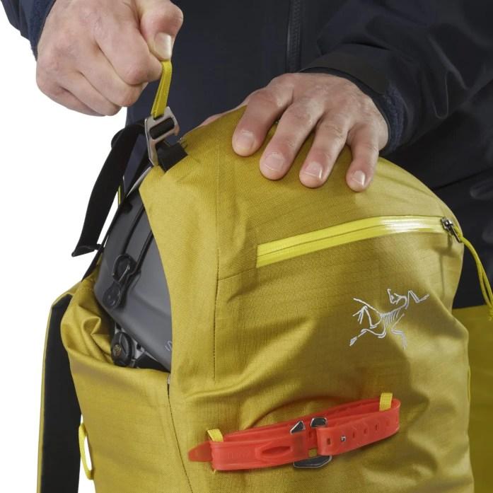 Arcteryx-Alpha-SK-32-Backpack_Everglade-Top-Lid-Adjuster-F18