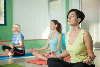 Einen Einstieg in die Dynamische Meditation findet sich am besten in der Gruppe.