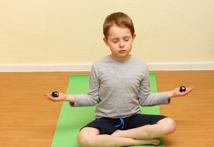Bei Kindern kann Meditation bei ADHS enorme Effekte haben.