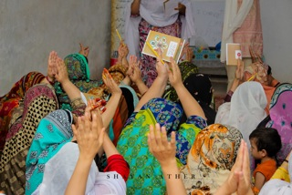 I Change Her Life conducts workshops in a remote village on the outskirts of Nowshera​. Women participated enthusiastically and enjoyed the atmosphere. Dr. Ambreen Zaman conducts these workshops along with her Field Staff and Community Development Officers.