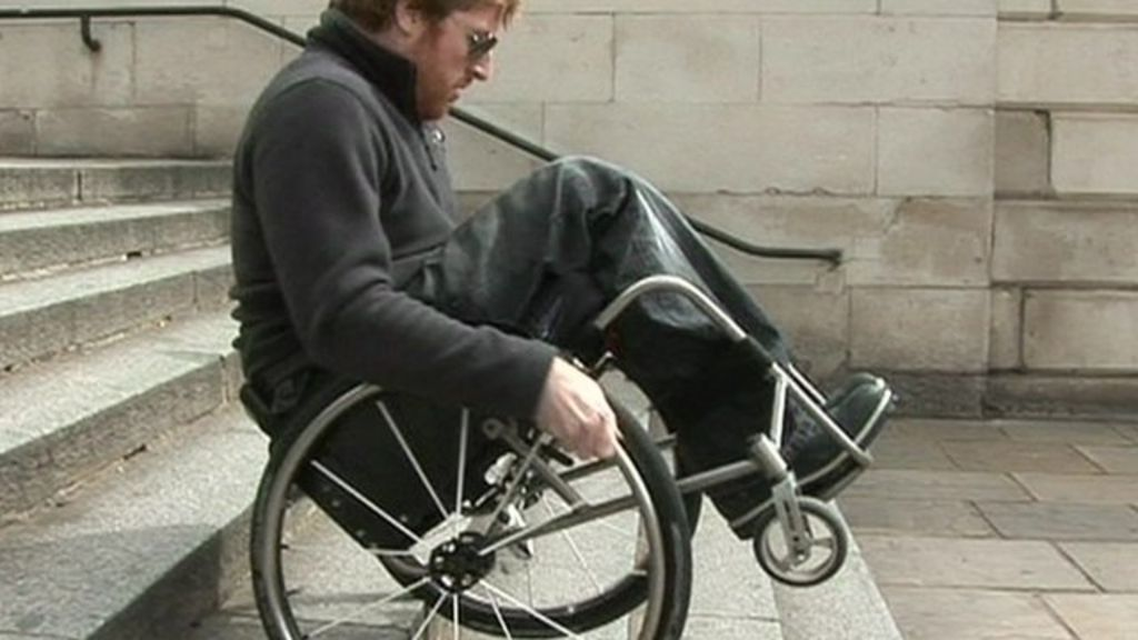 Top tips for wheelchair users  BBC News