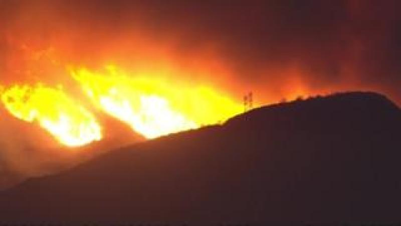 Wildfire in Ventura County, California, on 5 December 2017