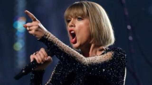 """Taylor Swift performs """"Out of the Woods"""" at the 58th Grammy Awards in Los Angeles, California, U.S. on 15 February, 2016."""