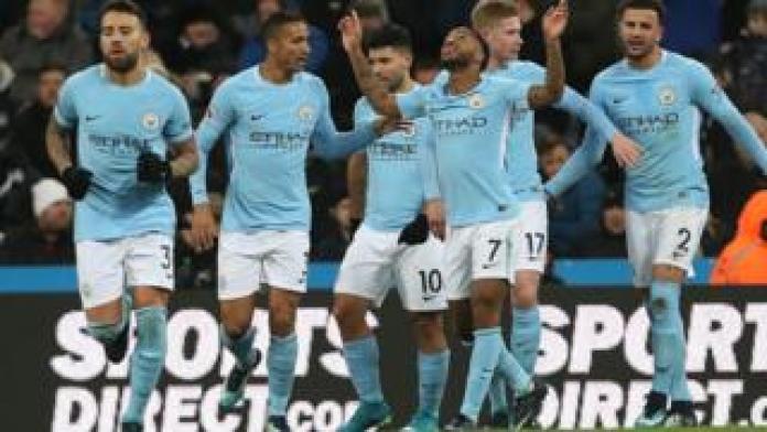 Les joueurs de Manchester City premiers du championnat jubilent après un but marqué contre Newcastle le 27 décembre.