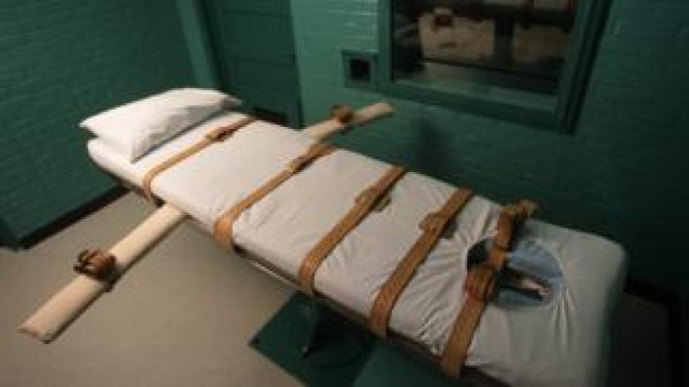 The Texas death chamber is seen June 23, 2000 in Huntsville, Texas.