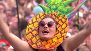 97322779 pineapplewoman - Pineapples banned by Reading and Leeds Festivals - BBC News