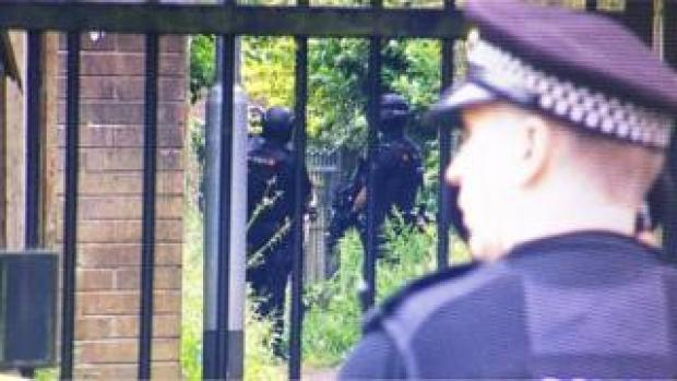 Armed police at siege in Shaw, Oldham