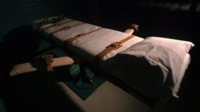 File image of death chamber in Huntsville, Texas, June 23, 2000