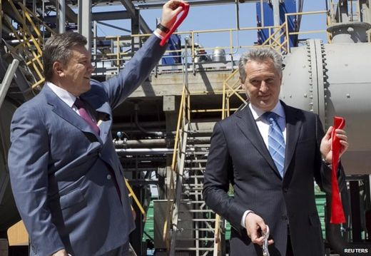 Dmytro Firtash (R) with then President Viktor Yanukovych at an opening ceremony in Crimea (April 2012)