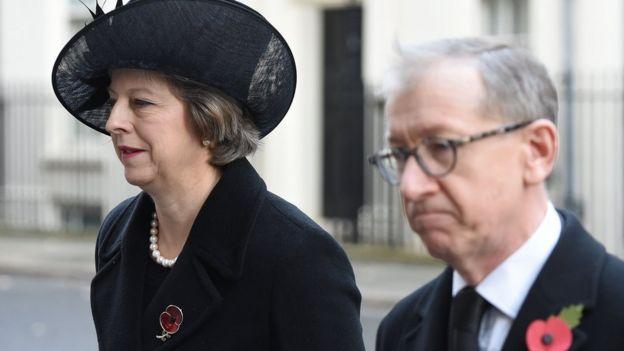 La actual Primer Ministra Theresa May con su esposo durante el evento, Londres.