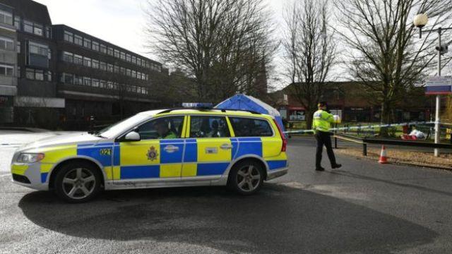 Policiais em Salisbury