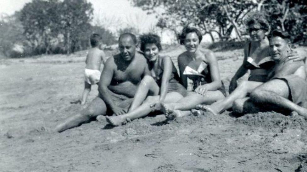 Refugiados judíos en la playa de Sosúa