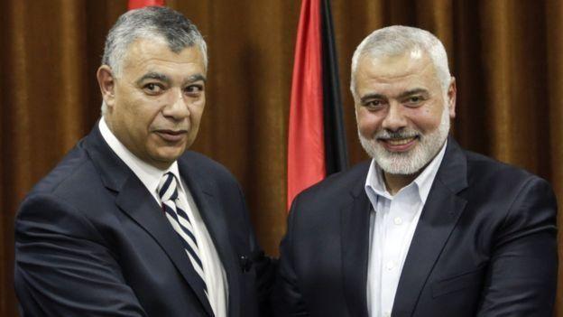 إسماعيل هنية بجانب رئيس المخابرات العامة المصرية