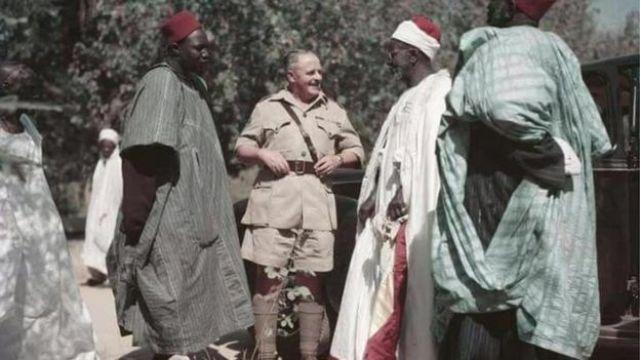 Shehu Umar Sanda Kyarimi da Waziri Ibrahim da Mallam Buhari tare da mazauna gari