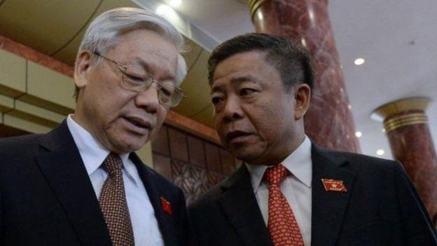 Ông Võ Kim Cự và TBT Nguyễn Phú Trọng tại kỳ họp Quốc hội