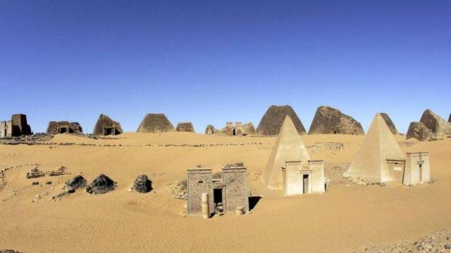 Las pirámides de Meroe, construidos por el Reino Kush entre el 250 antes de Cristo y el 350 después de Cristo.