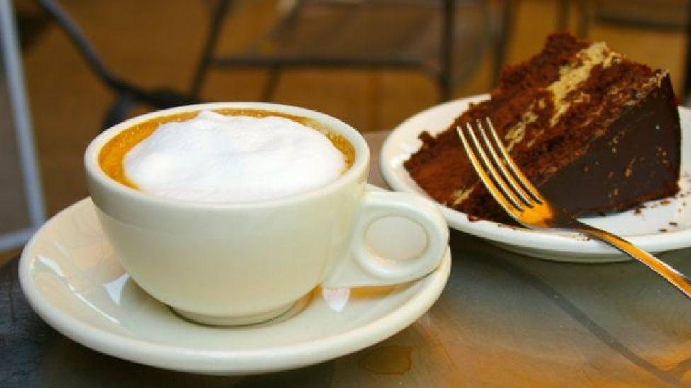 café y pastel