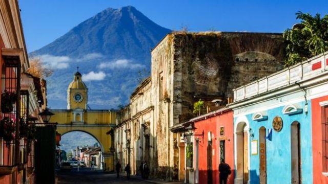 Calle en Antigua, Guatemala.