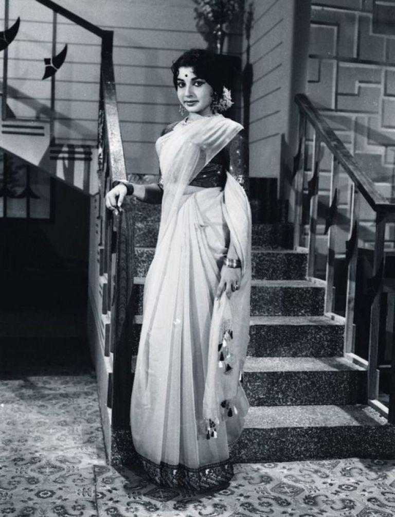 1965ல் வெளியான 'வெண்ணிற ஆடை'