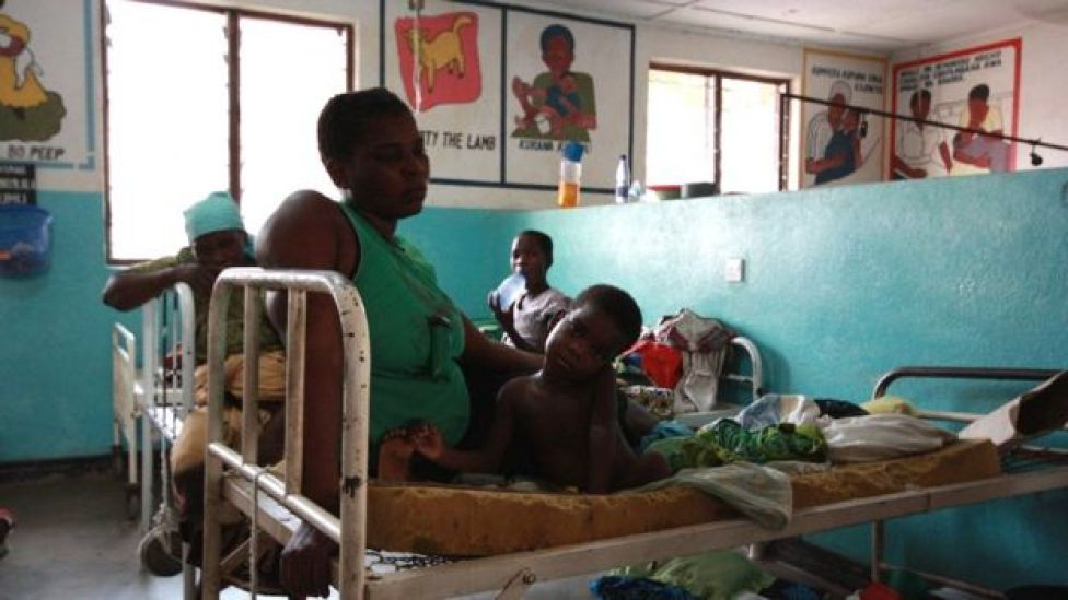 Monther and child in Malawi hospital