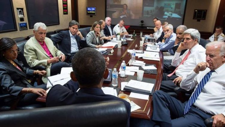 Barack Obama en la Sala Situacional.