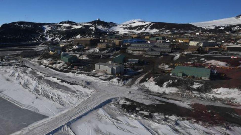 Estación estadounidense McMurdo en la Antártica