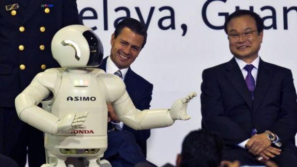 Presidente Enrique Peña Nieto y ejecutivo de Honda