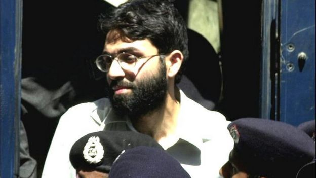 Ahmed Omar Saeed Sheikh arriving at court in Karachi