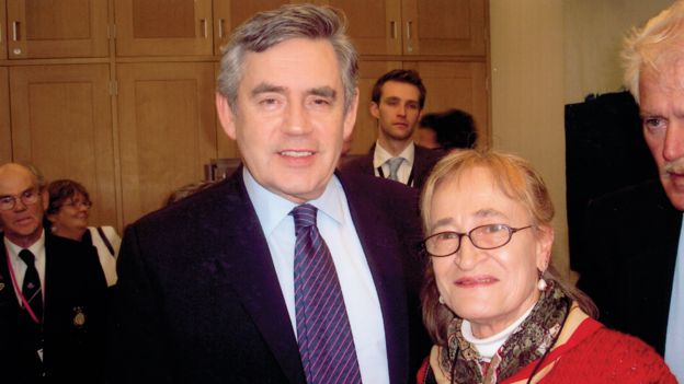 Pamela Smedley meeting Gordon Brown after the British government apologised for the migrant programme, 2010