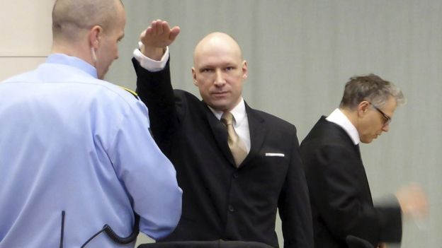 Breivik makes Nazi salute in court