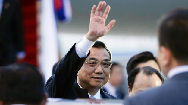 Chinese Prime Minister Li Keqiang arrives at Wattay international airport the Association of Southeast Asian Nations (ASEAN) Summits in Vientiane, Laos, 6 September 2016.