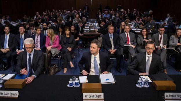 ممثلون من فيسبوك وتويتر وغوغل في جسلة لمجلس الشيوخ الأمريكي مؤخرا حول المعلومات المضللة