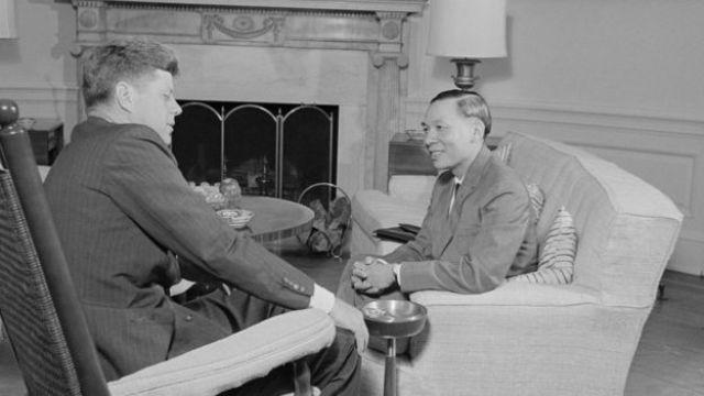Kennedy và Nguyễn Đình Thuần