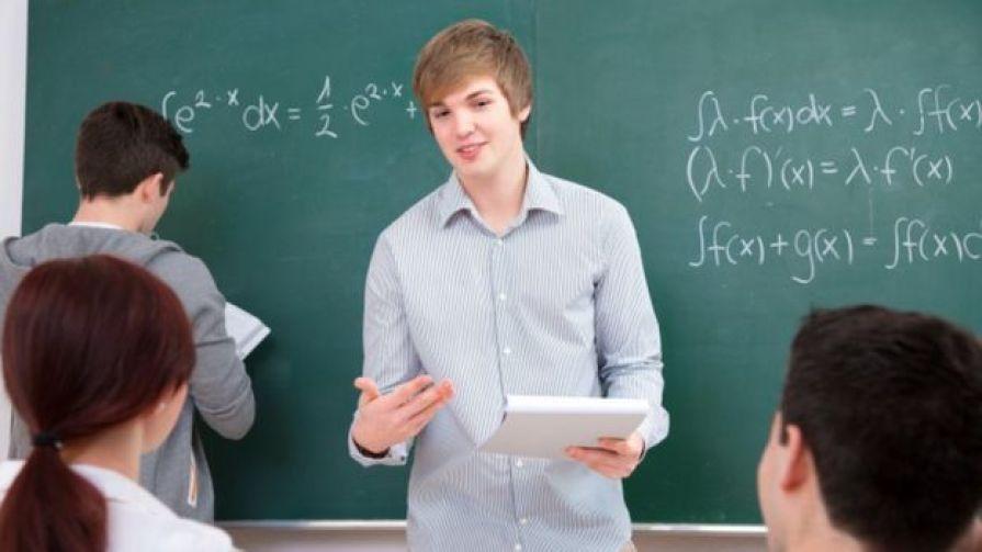 Teenagers discuss maths