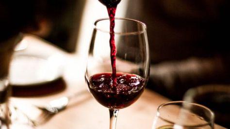 科学者はこの研究が、適度な飲酒は健康によいとする考え方に異議を唱えるものだという