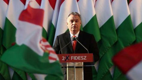 オルバン首相は選挙キャンペーンで反移民政策を強調した