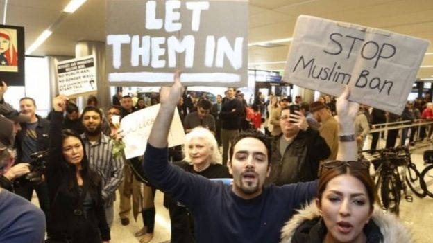 اعتراضات در فرودگاههای آمریکا
